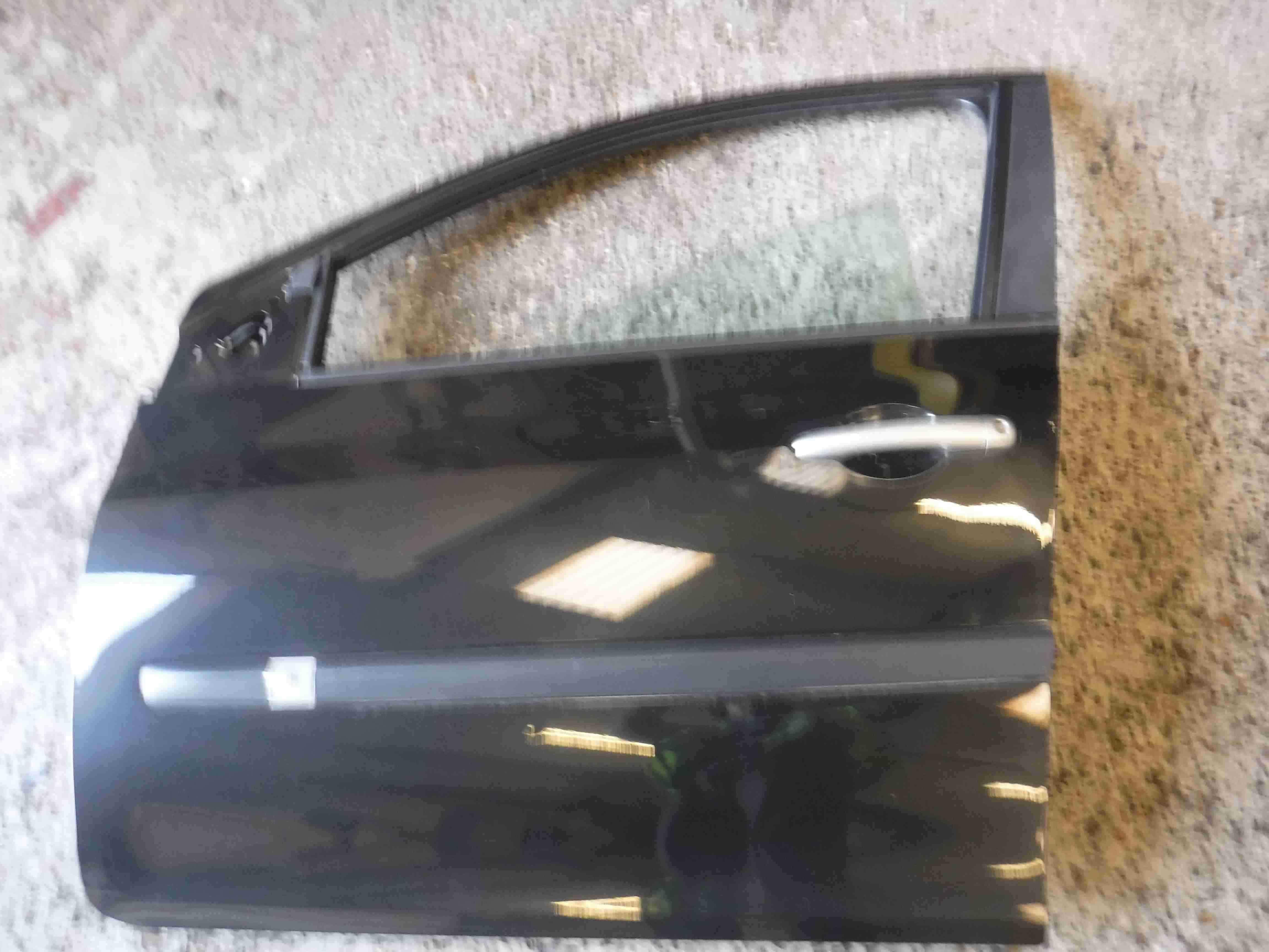 Renault Clio MK3 2005-2012 Passenger NSF Front Door Black 676 5dr