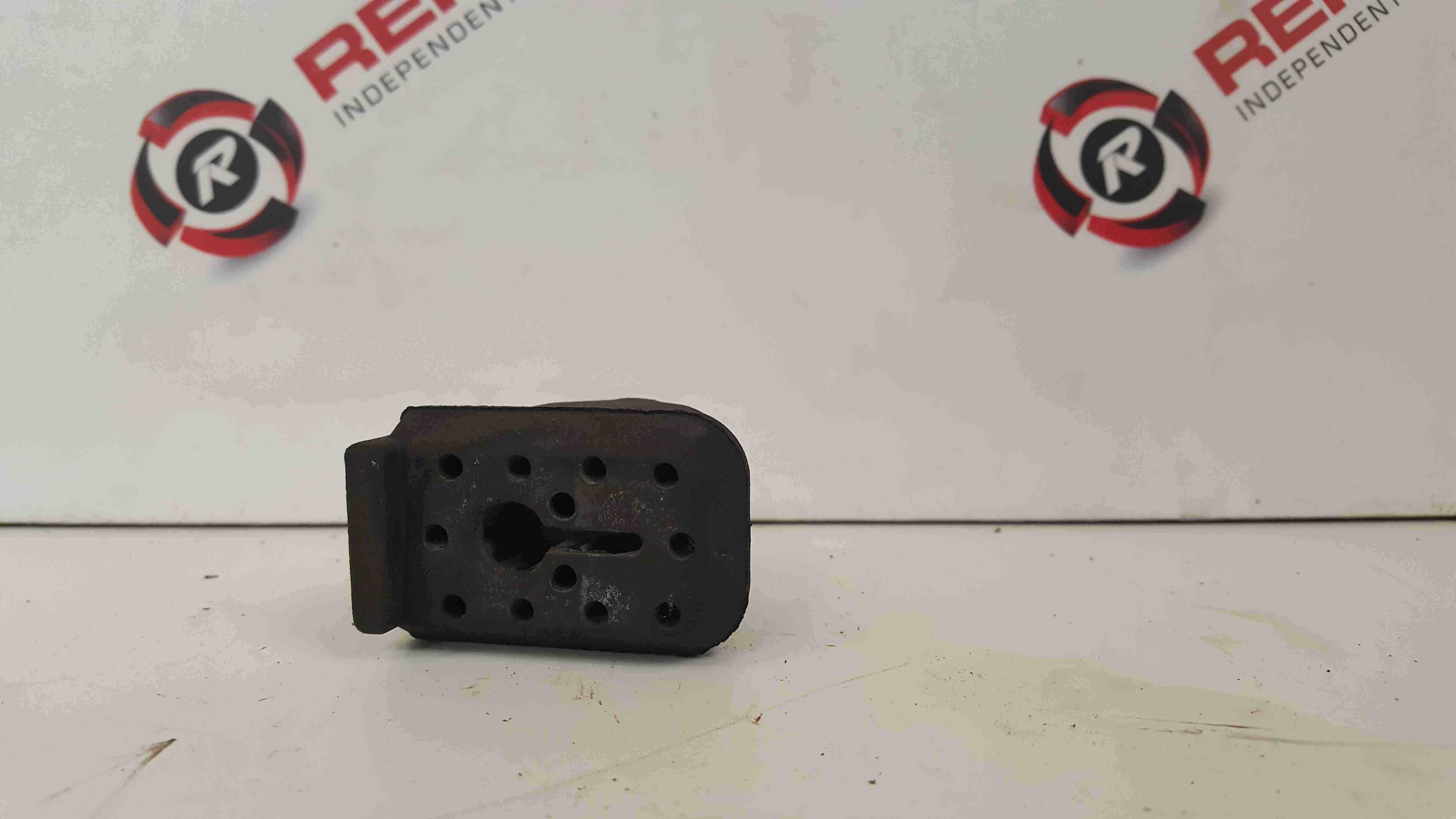 Renault Clio MK3 2005-2012 Radiator Rubber Support Mount Bushes X3