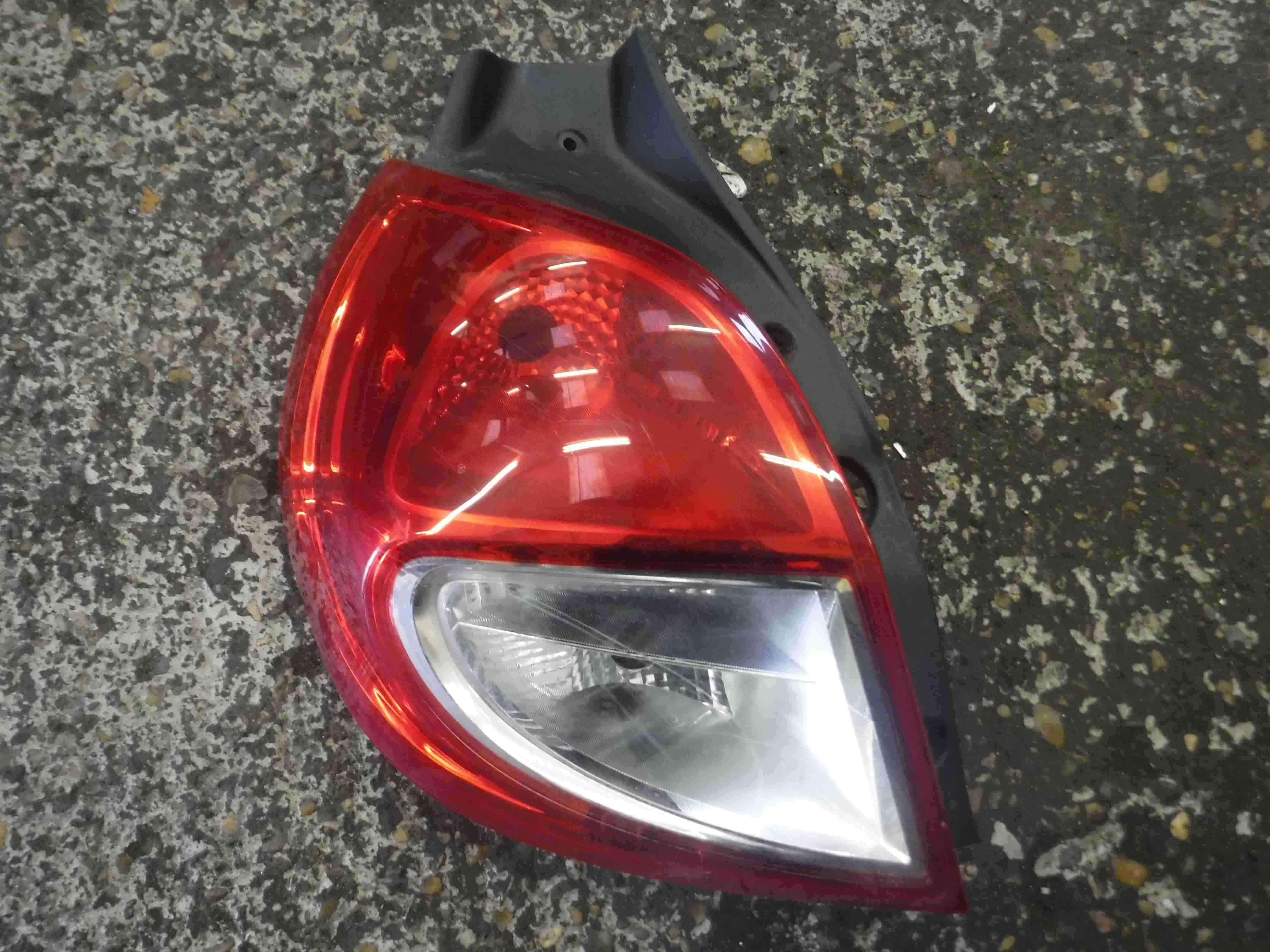 Renault Clio MK3 2009-2012 Passenger NSR Rear Light Lens 8200886944