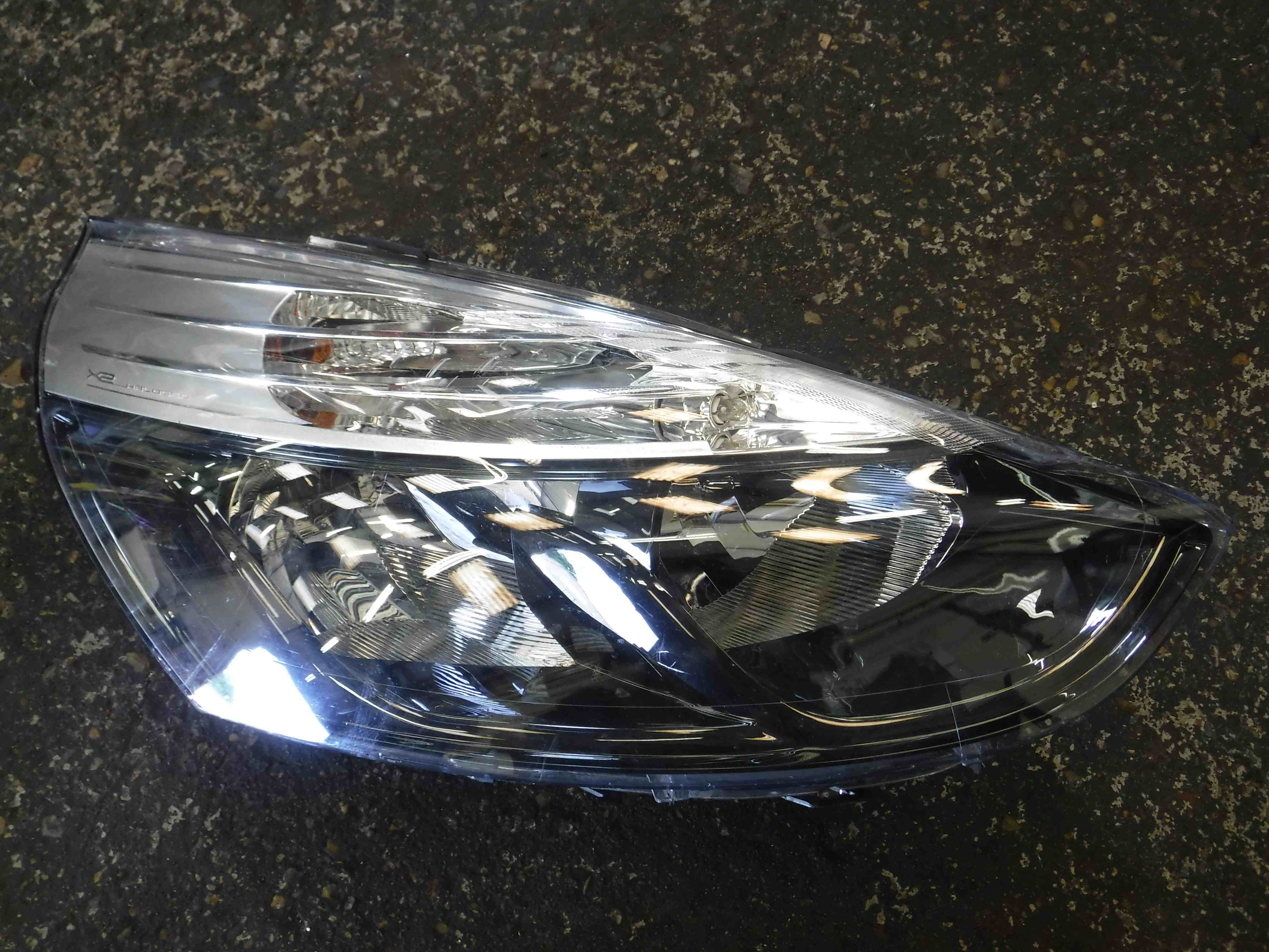 Renault Clio MK4 2013-2015 Drivers OSF Front Headlight 45 HALOGEN