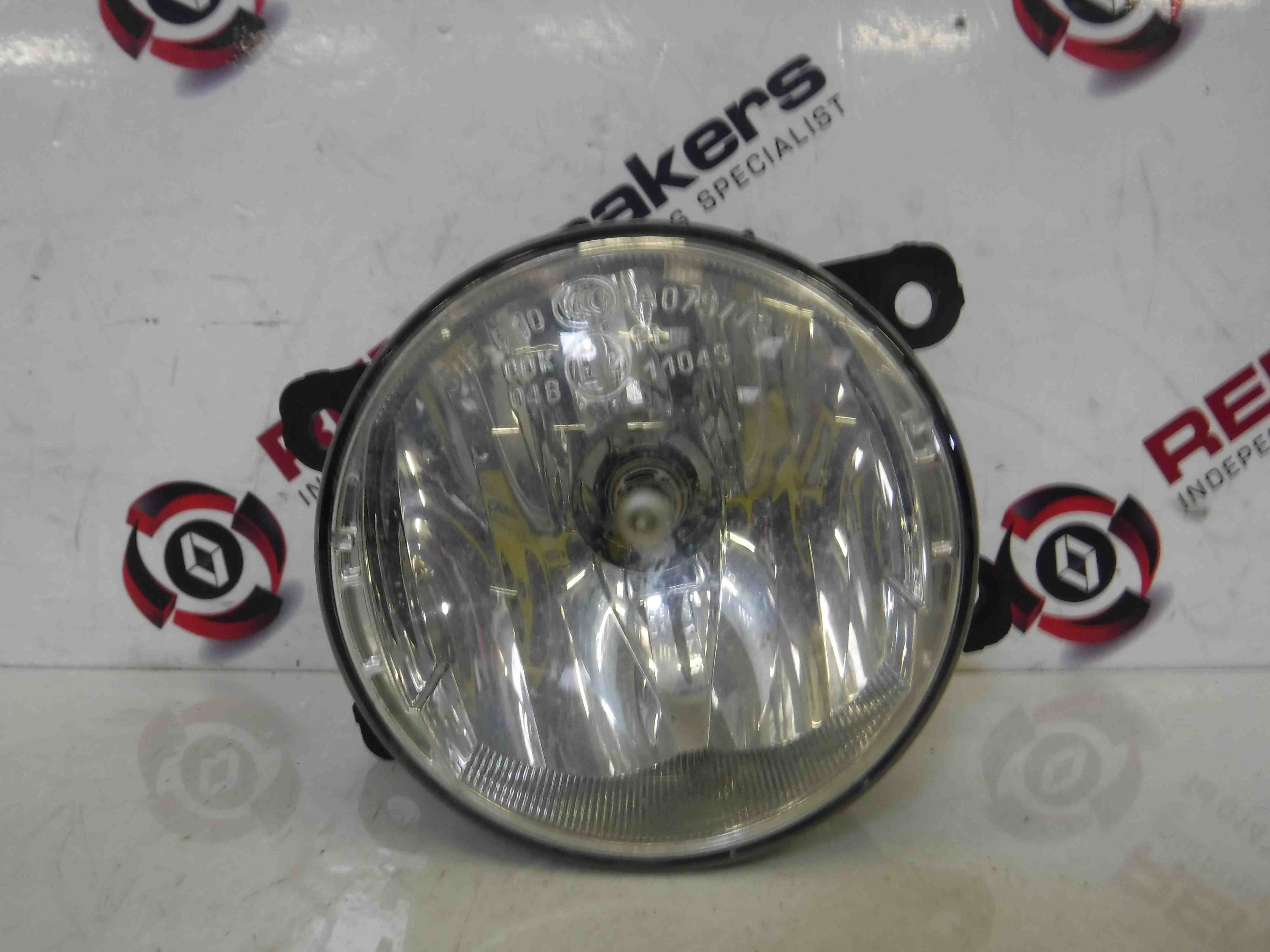 Renault Clio MK4 2013-2015 Drivers OSF Front Fog Light 261500097R