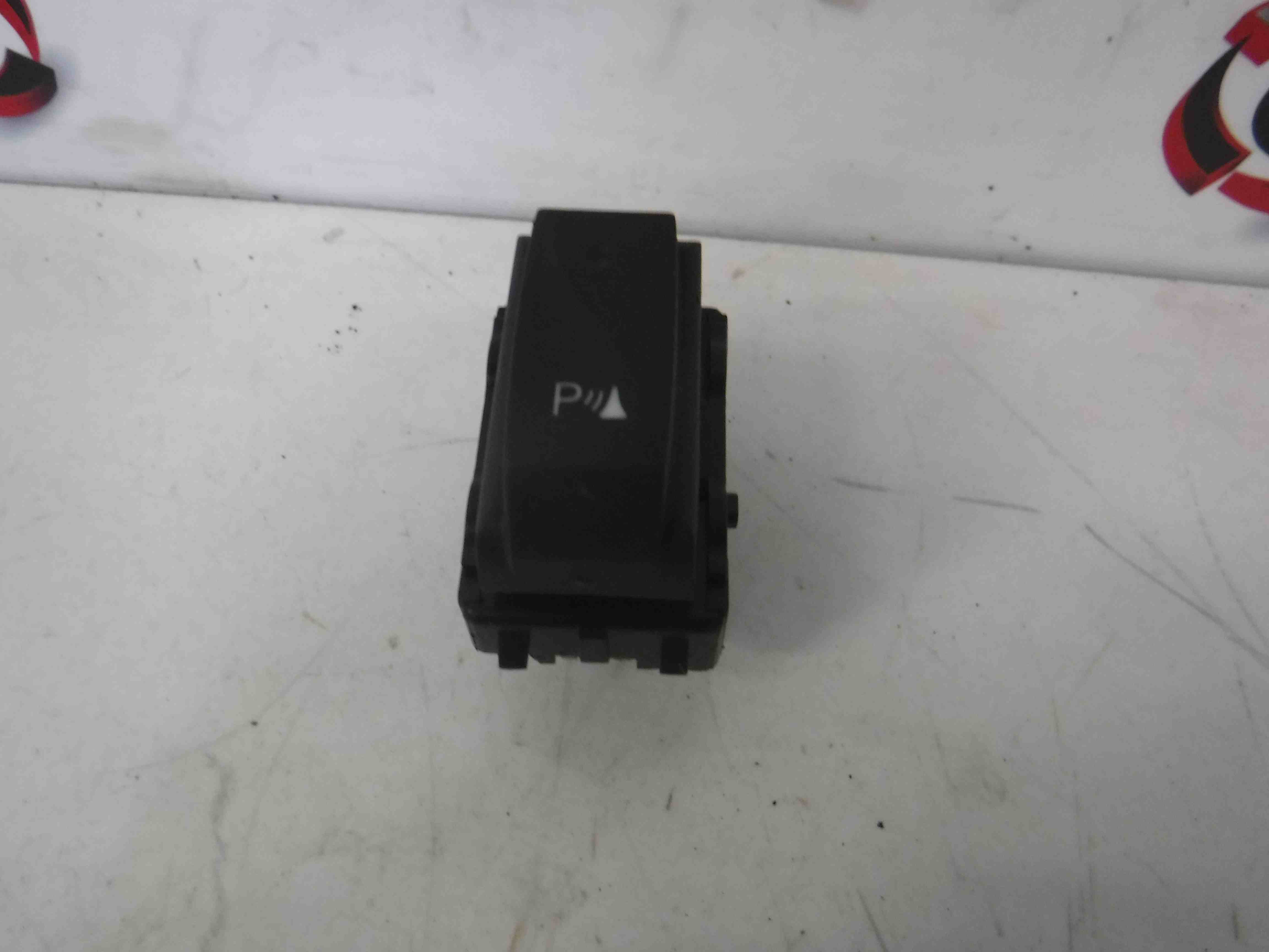 Renault Clio MK4 2013-2015 PDC Parking Aid Switch Button 284480002r