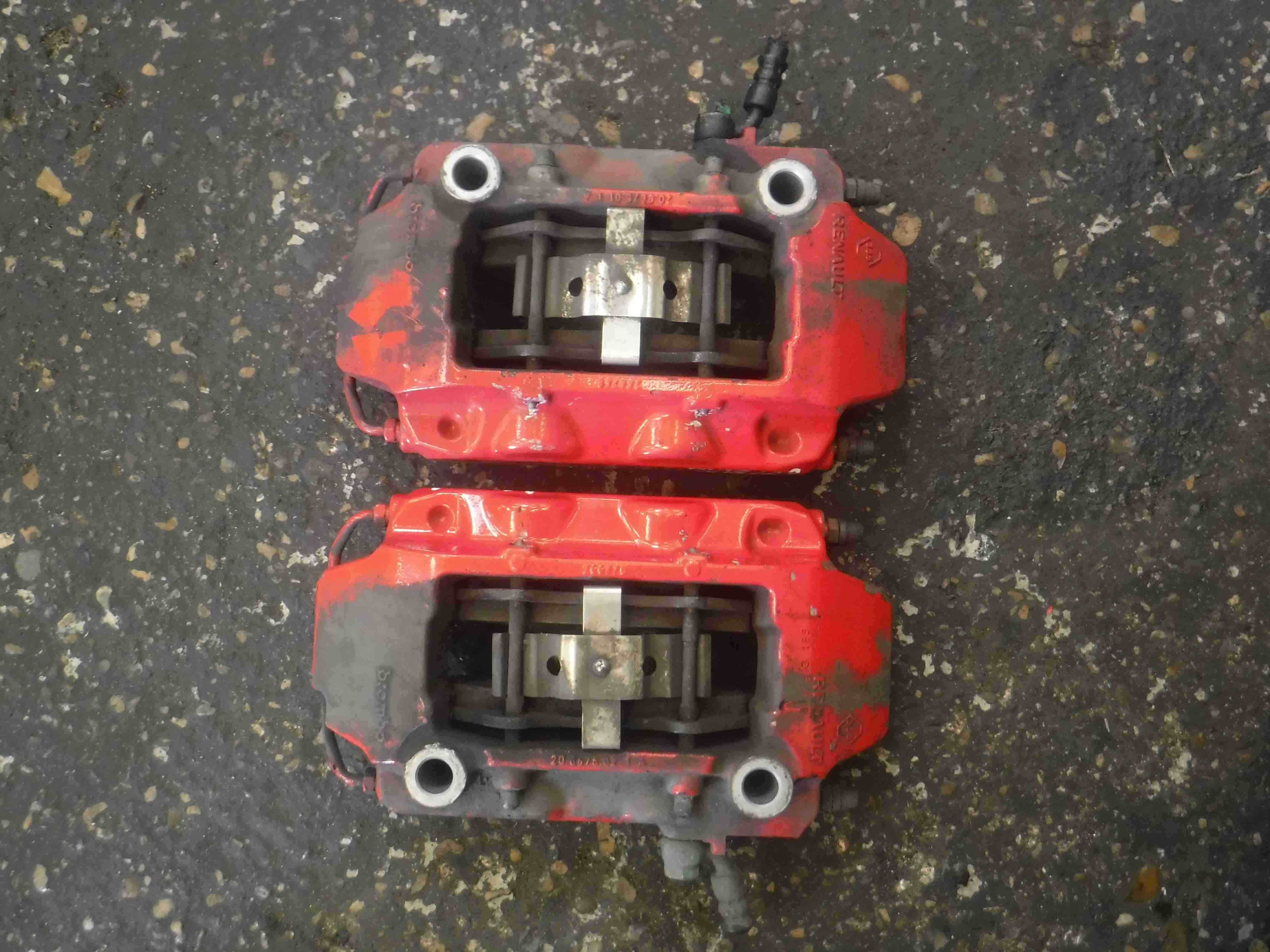 Renault Clio Sport 2005-2012 197 200 2.0 Brembo Front Brake Calipers Pair Set
