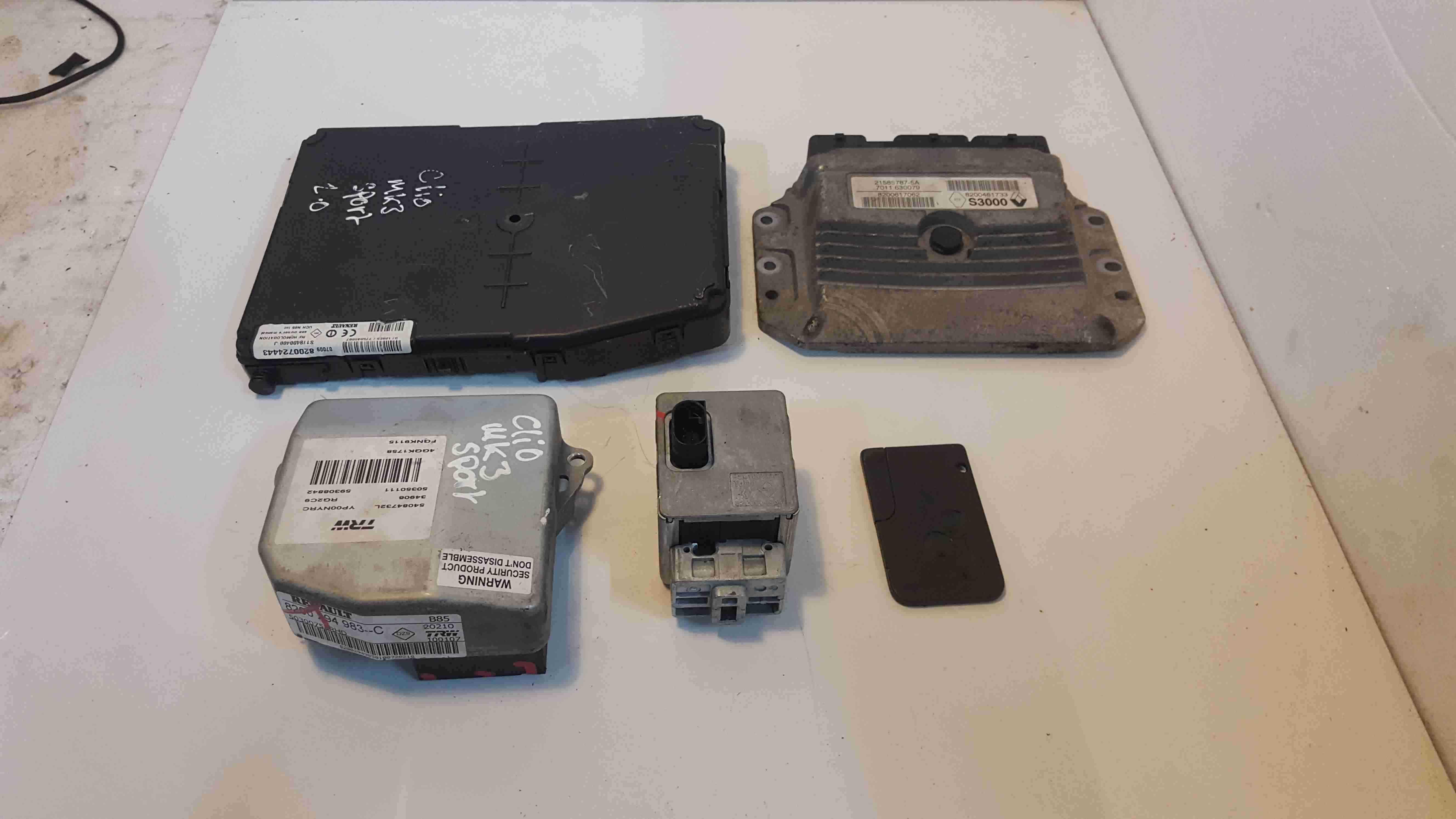 Renault Clio Sport MK3 2005-2012 197 ECU Set UCH BCM Steering Lock + Key Card