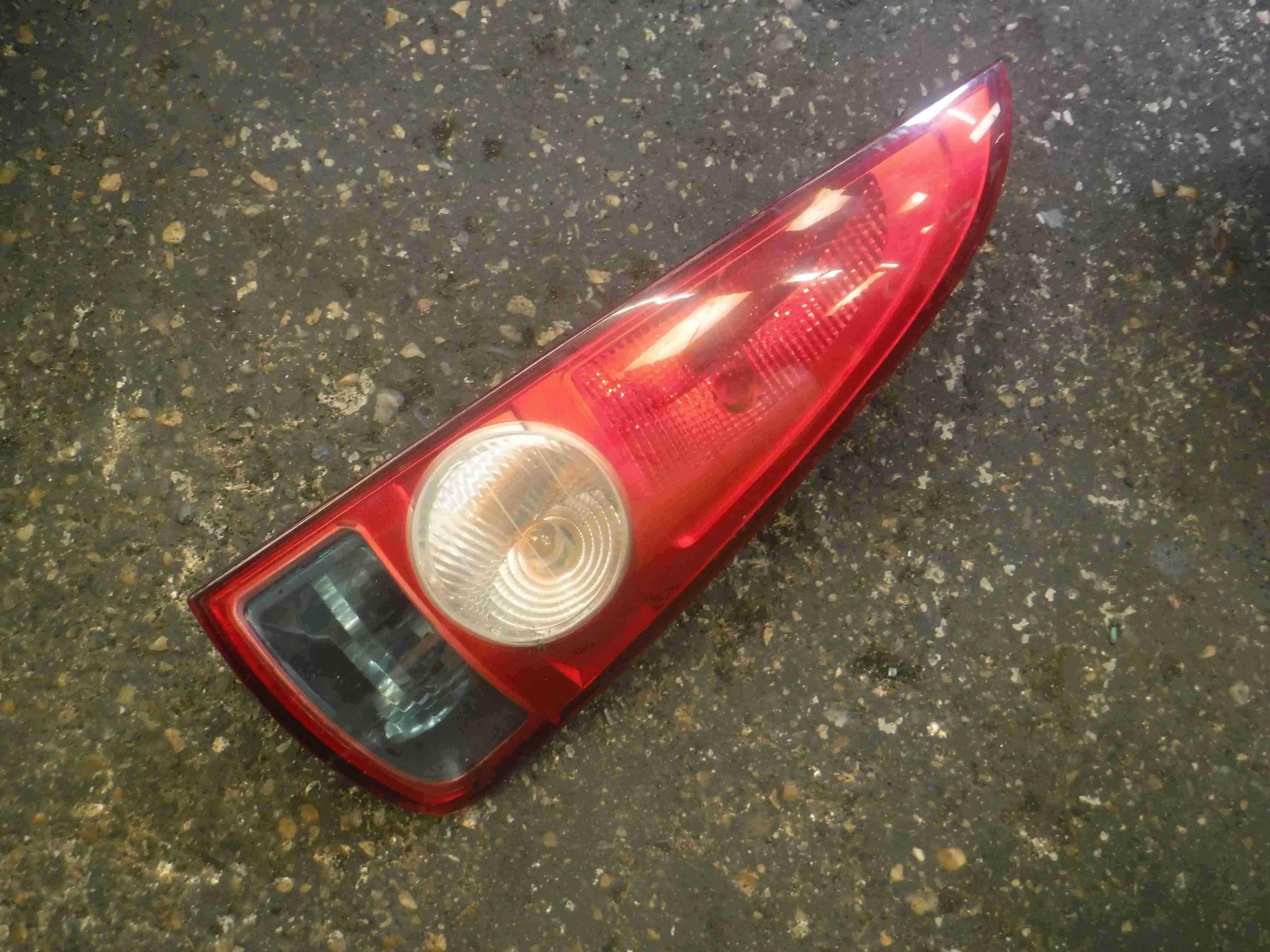 Renault Espace 2003-2013 Drivers OSR Rear Light 8200027152