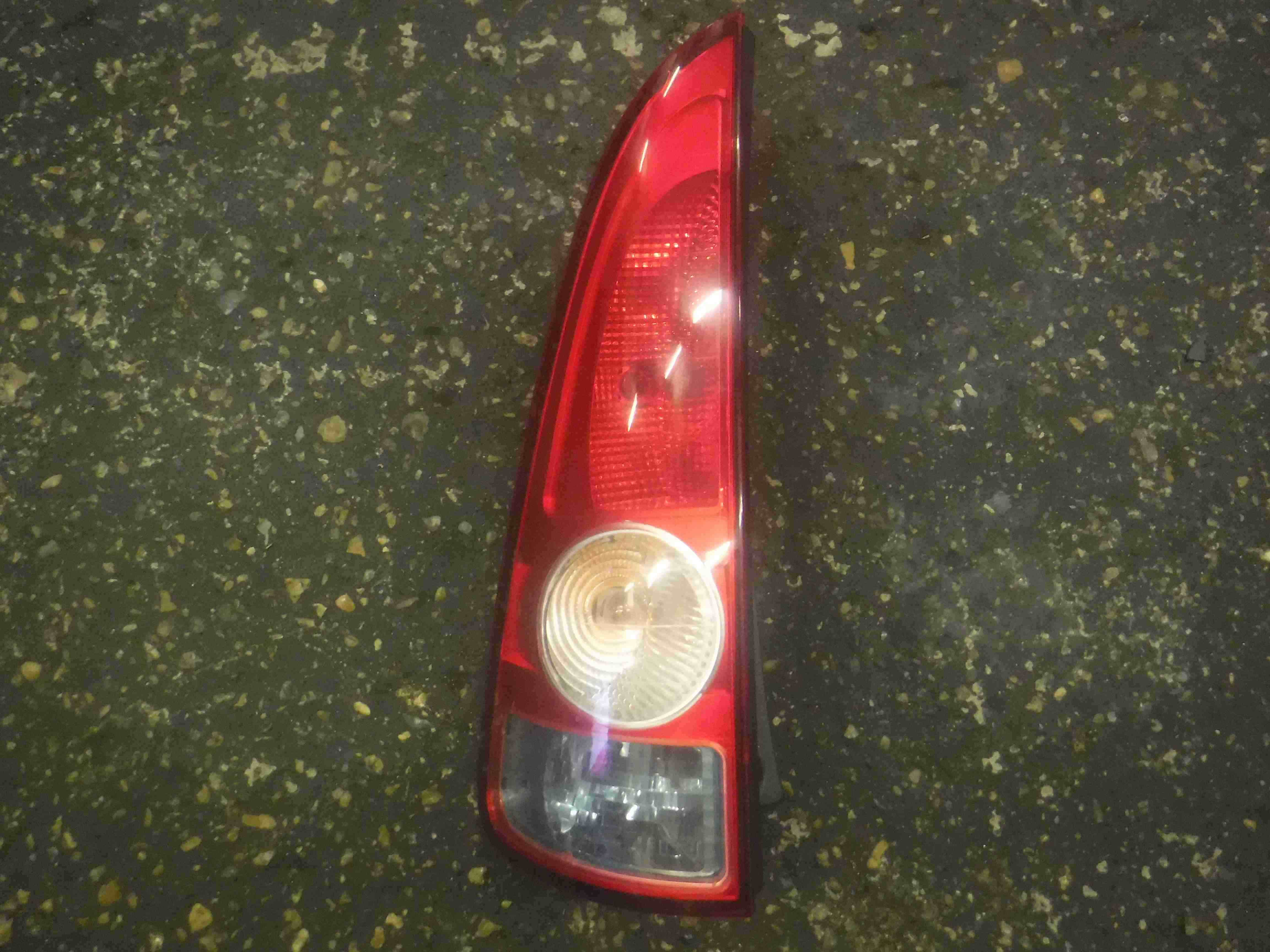 Renault Espace 2003-2013 Passenger NSR Rear Light 8200027153