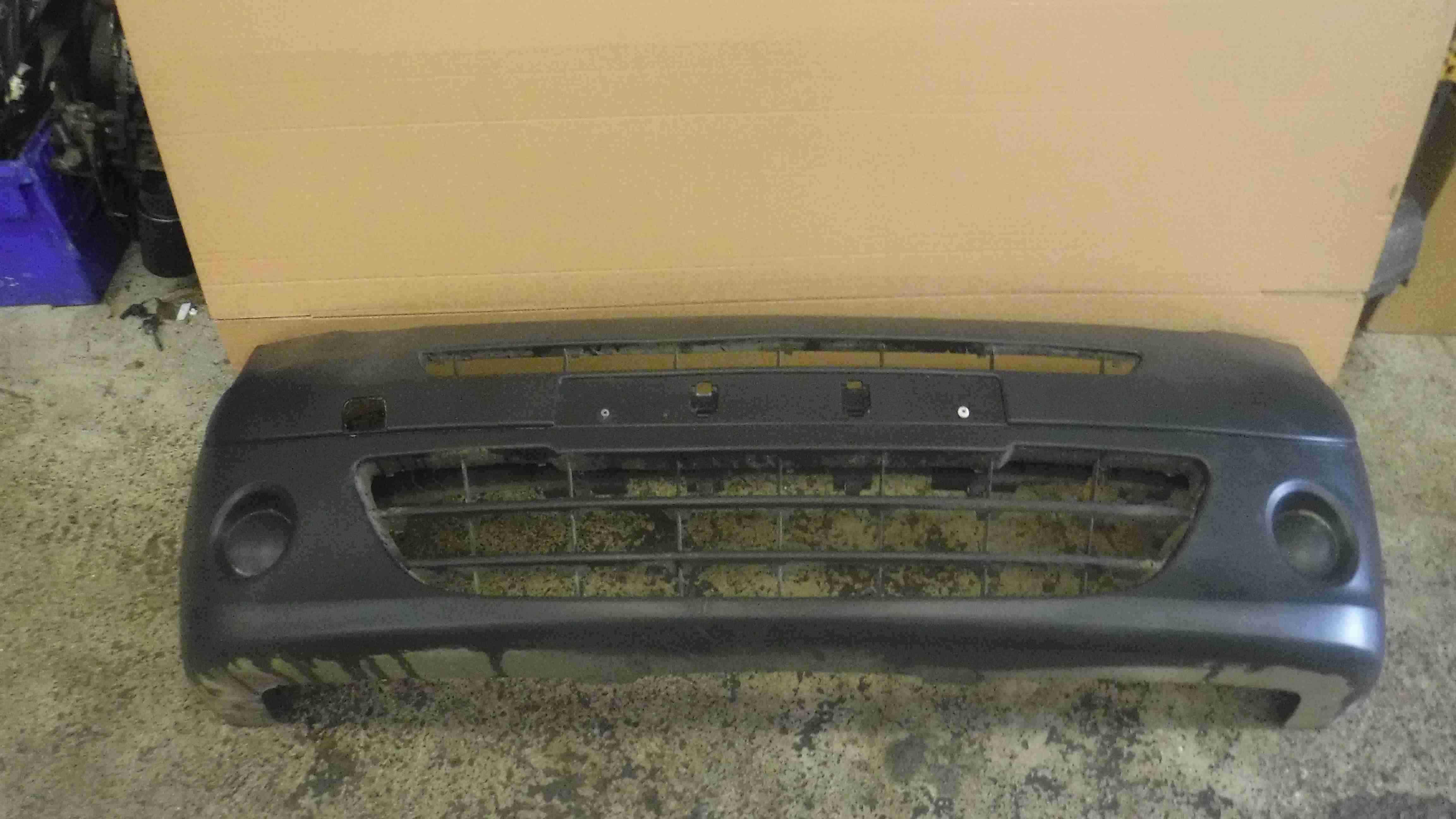 Renault Kangoo 2007-2013 Front Bumper Plain Black