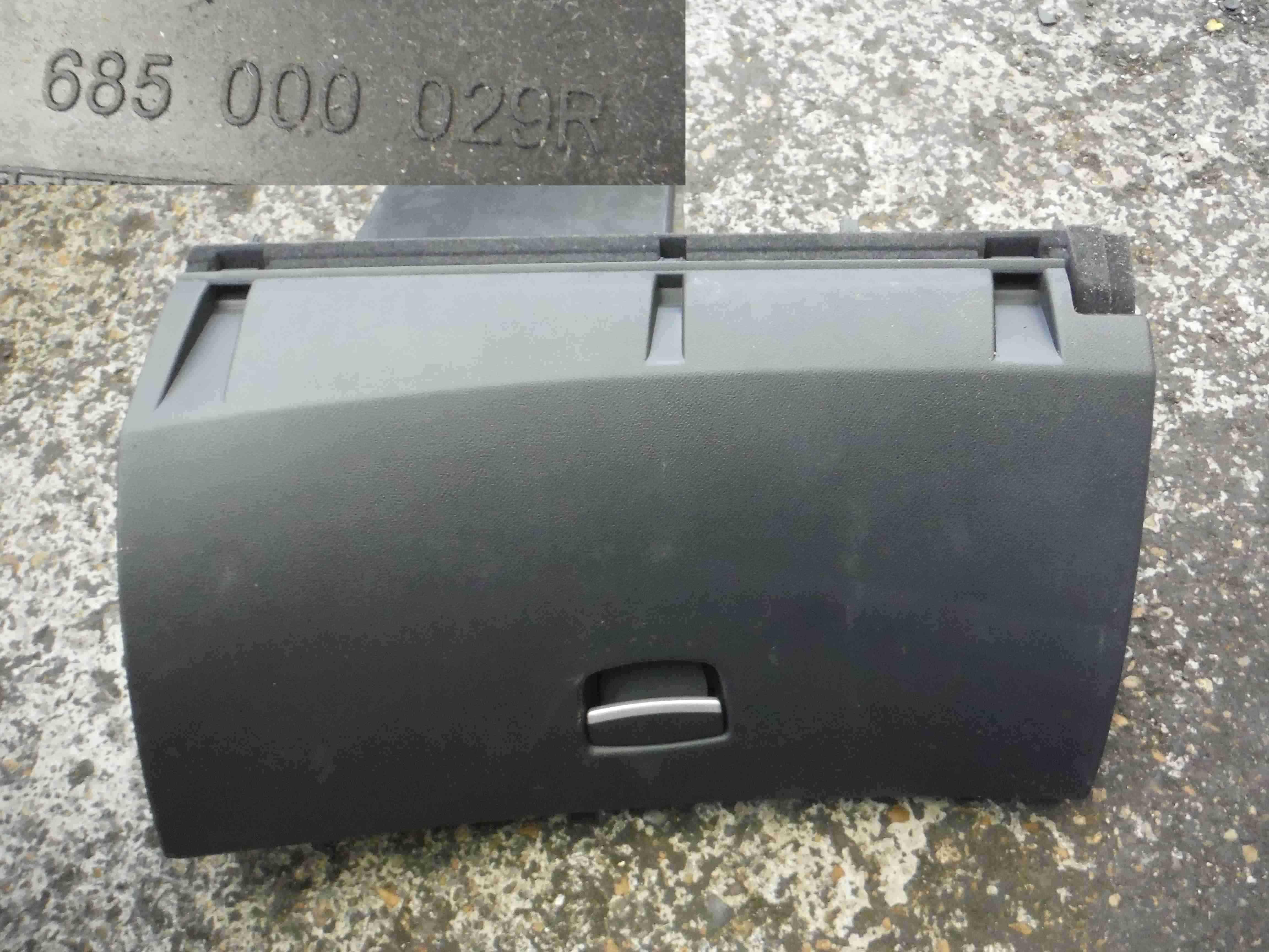 Renault Laguna 2007-2010 Dashboard Glove Box Complete 685000029R