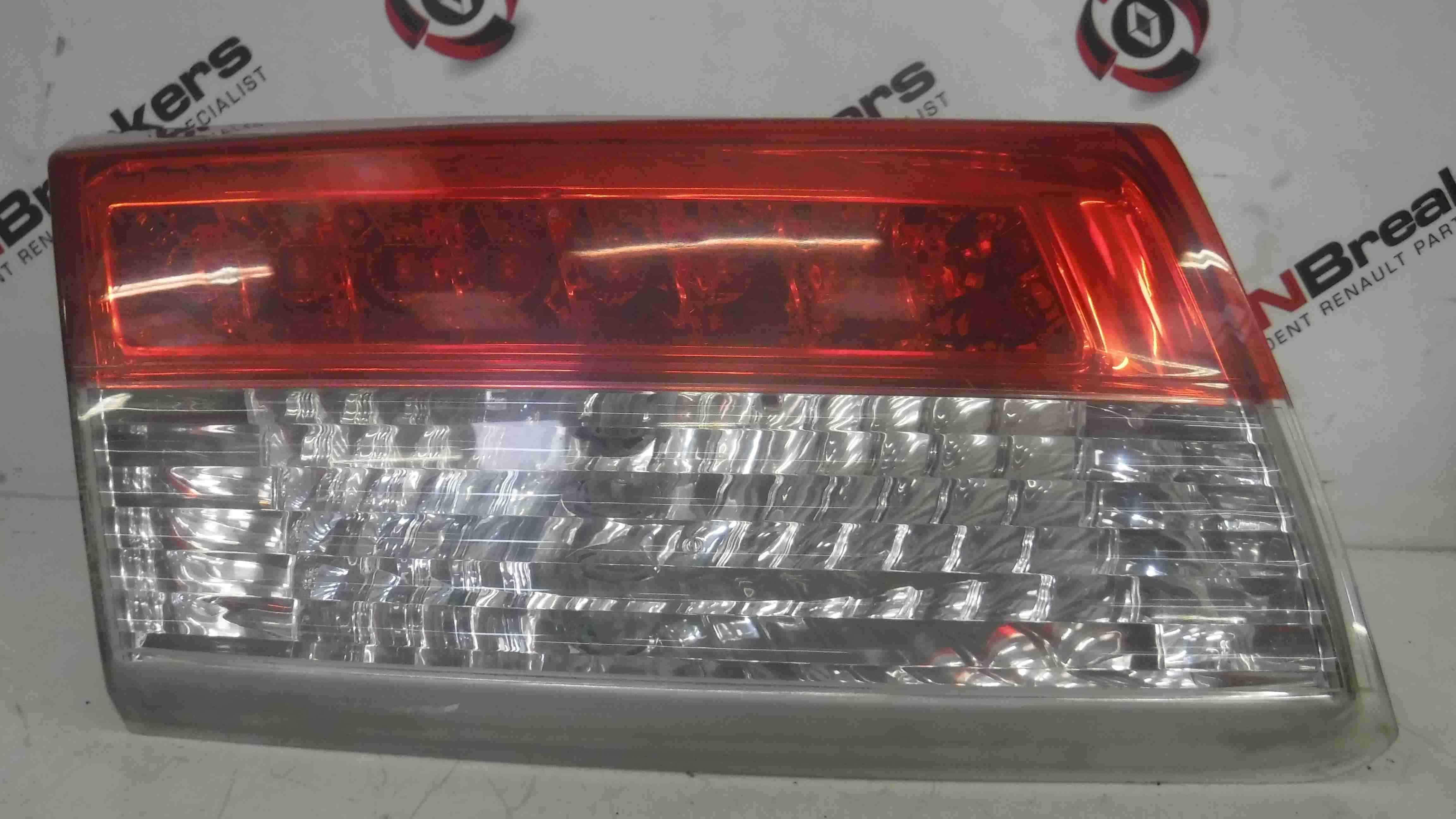 Renault Laguna Hatchback MK3 2007-2010 Boot Tailgate Passenger NSR Rear Light