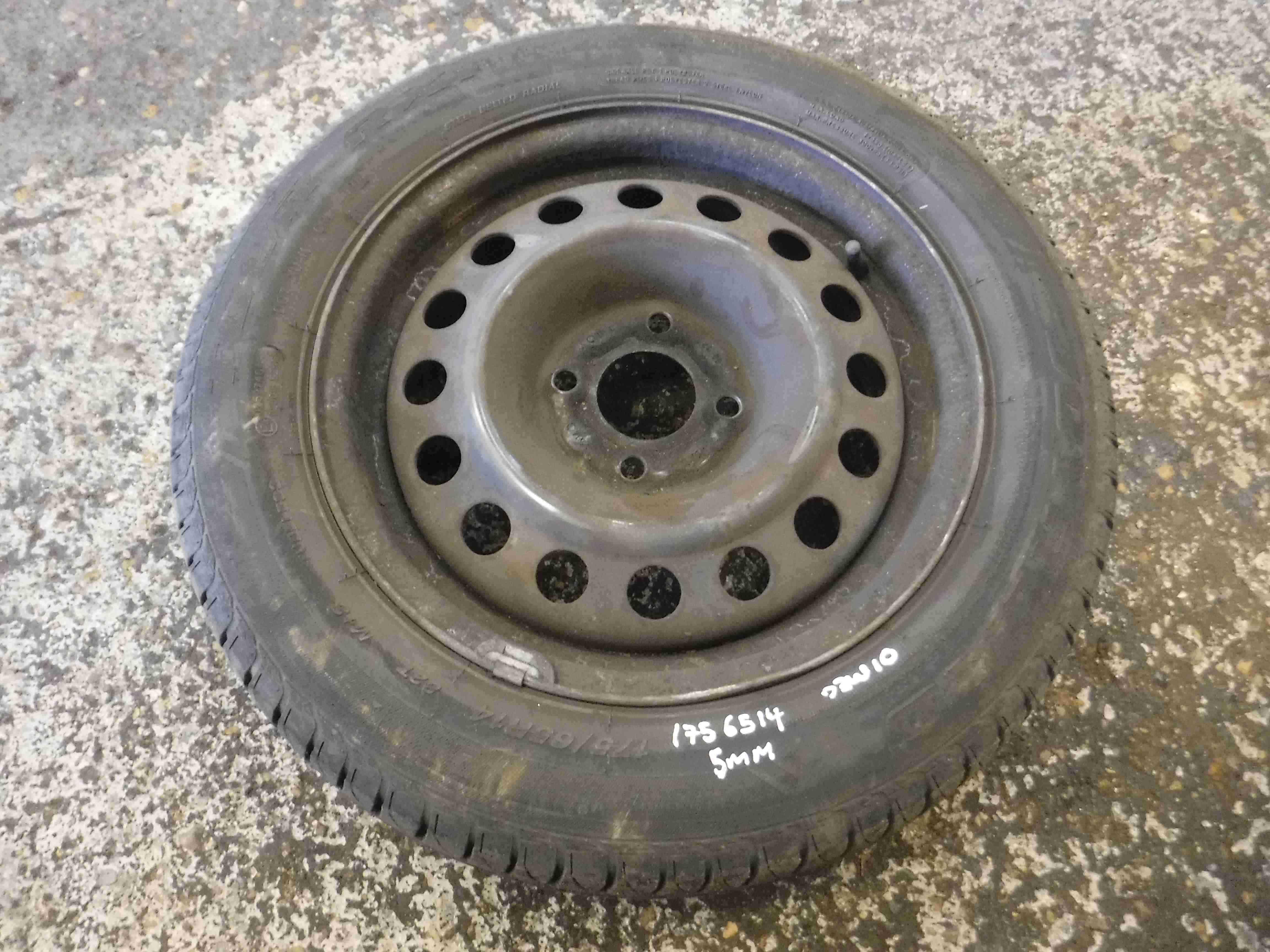 Renault Megane 1999-2002 Steel Wheel Rim + Tyre 175 65 14 5mm Tread 3/5