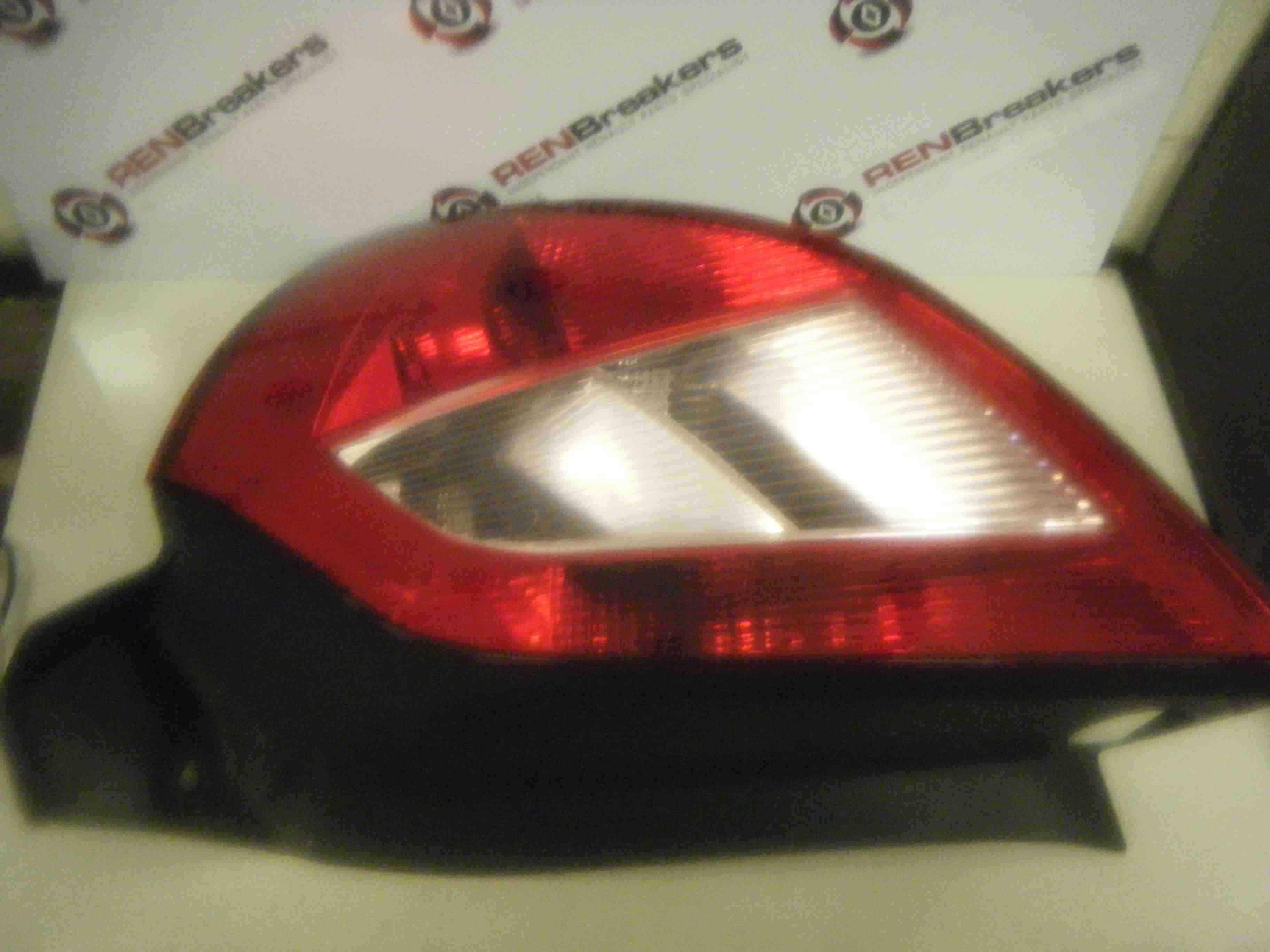 Renault Megane 2002-2006 Drivers OSR Rear Light Lens 8200073237