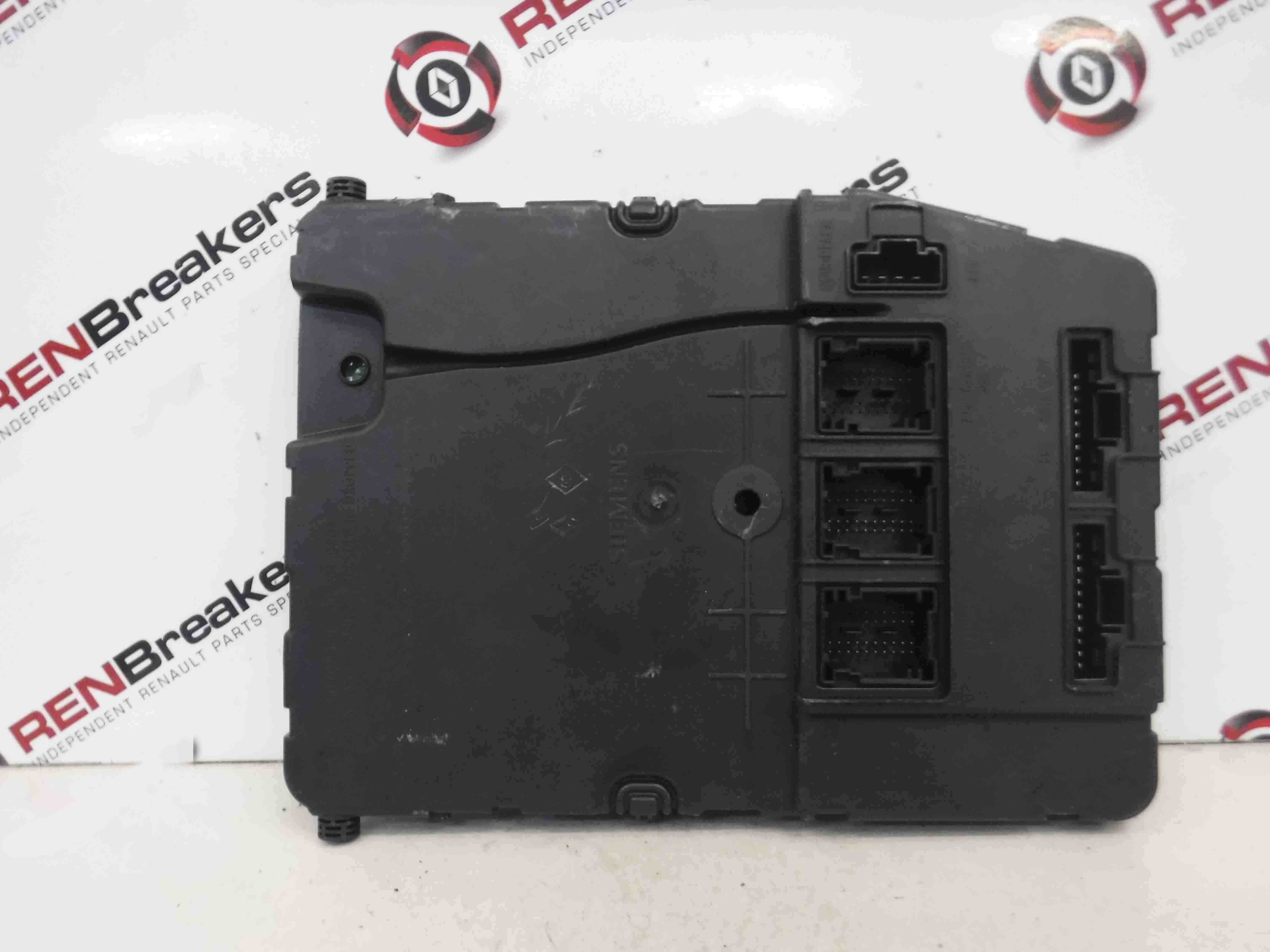 Renault Megane 2002-2008 Dashboard UCH BCM Fuse Box 8200606825