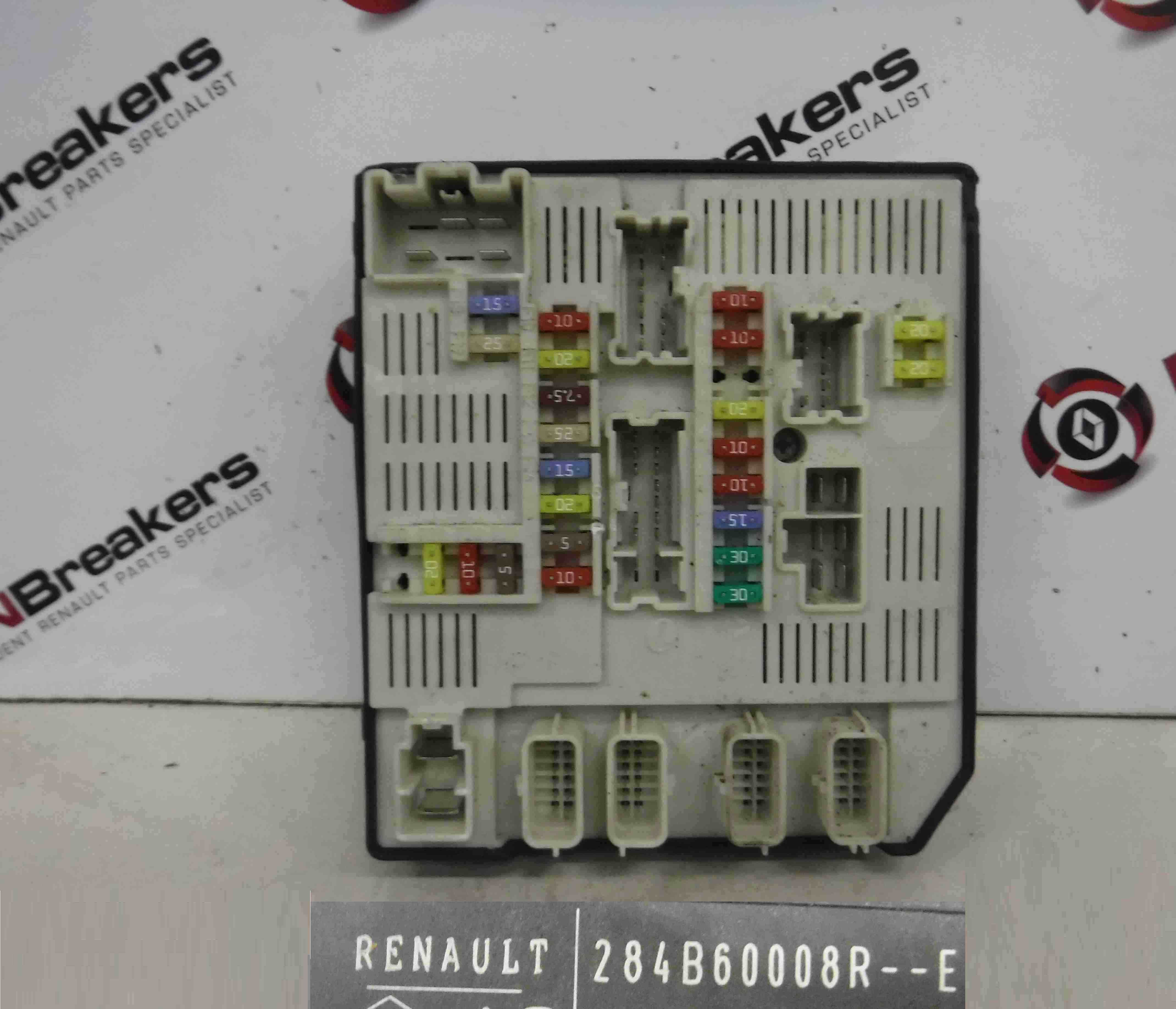 Renault Megane MK3 2008-2014 Engine Fuse Box UPC Computer 284B60008R