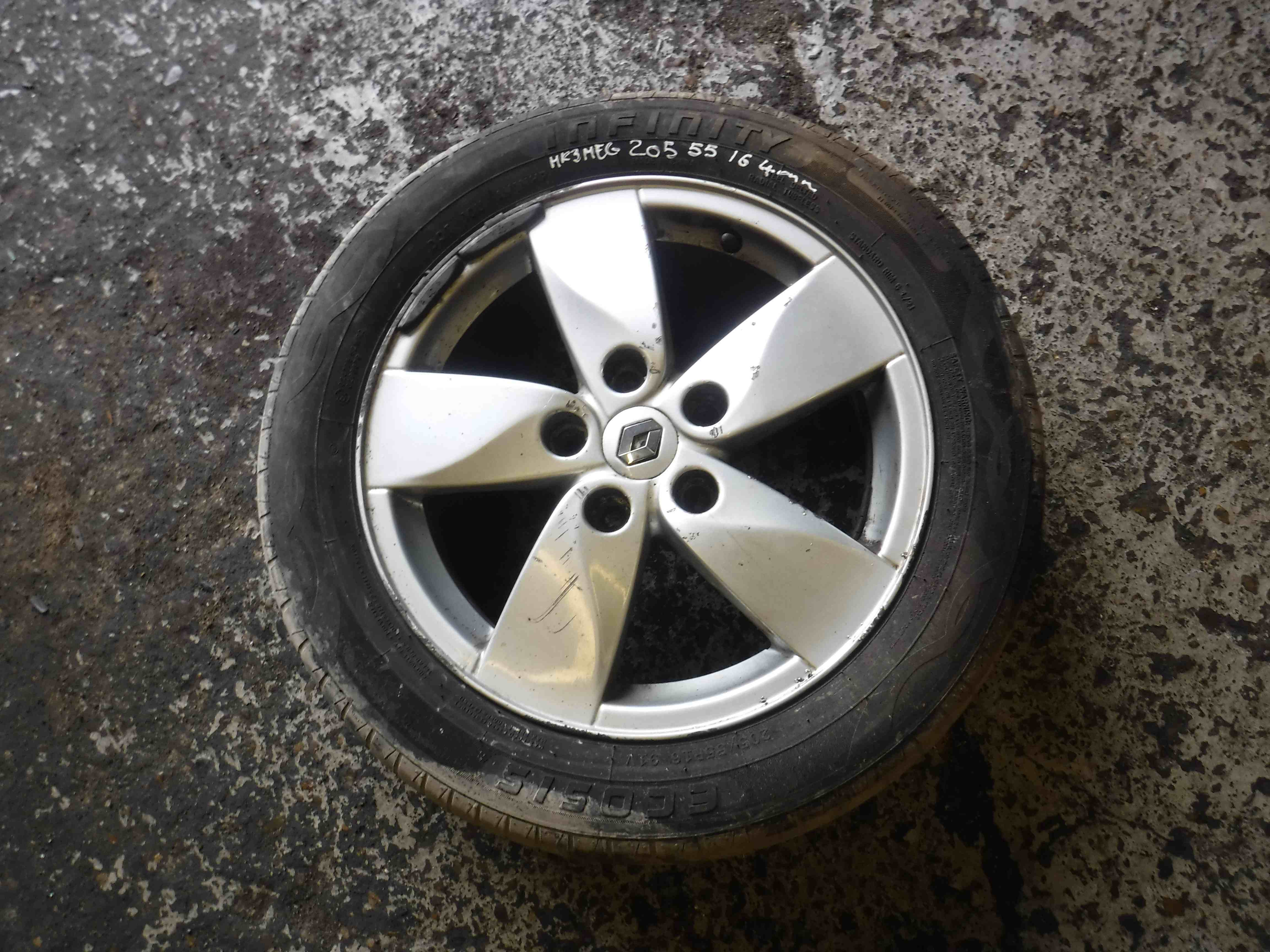 Renault Megane MK3 2008-2014 Proteus Alloy Wheel  Tyre 205 55 16inch 4mm  3.5 0