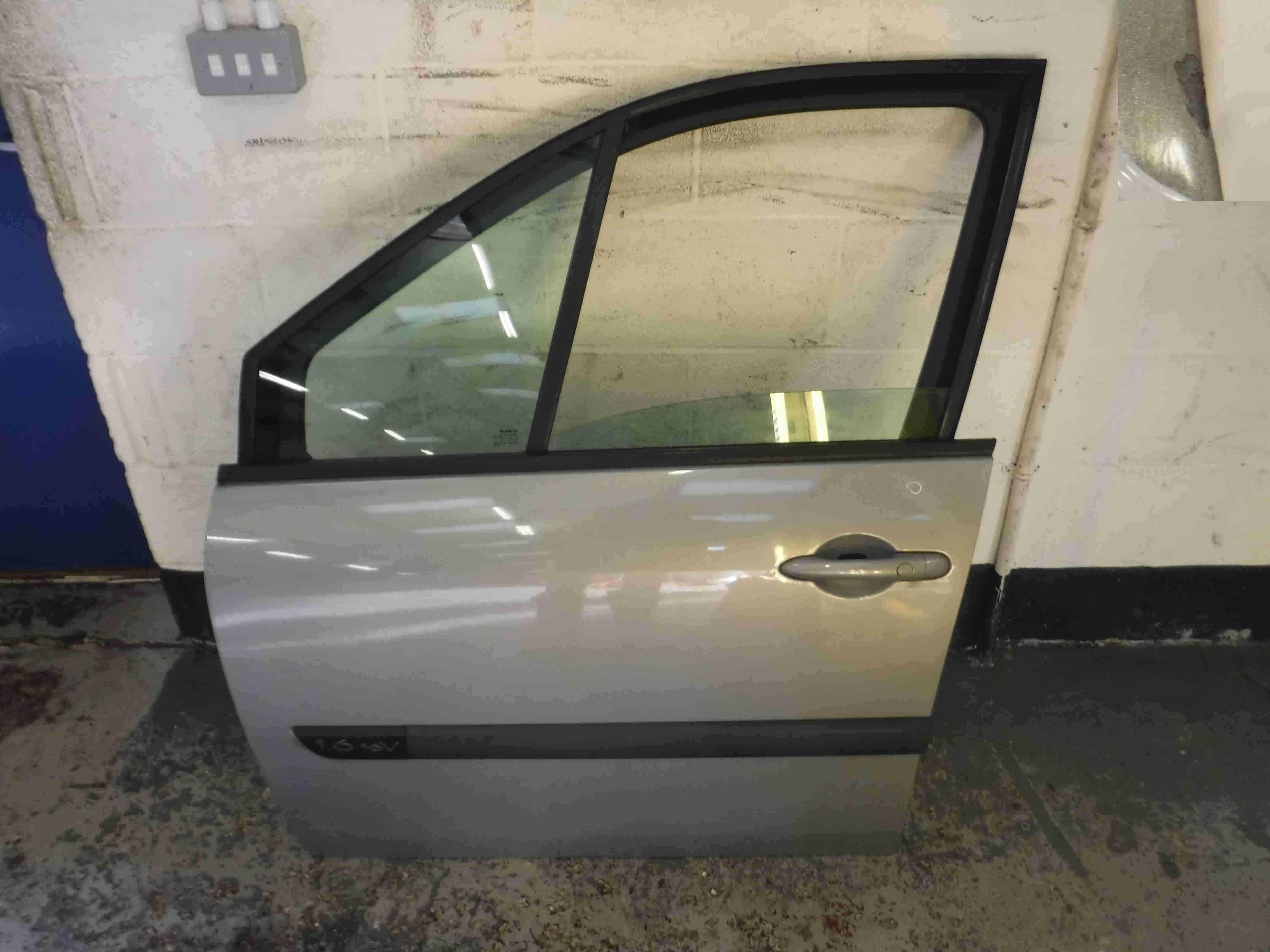 Renault Megane Scenic 2003-2009 Passenger NSF Front Door Silver TEA19