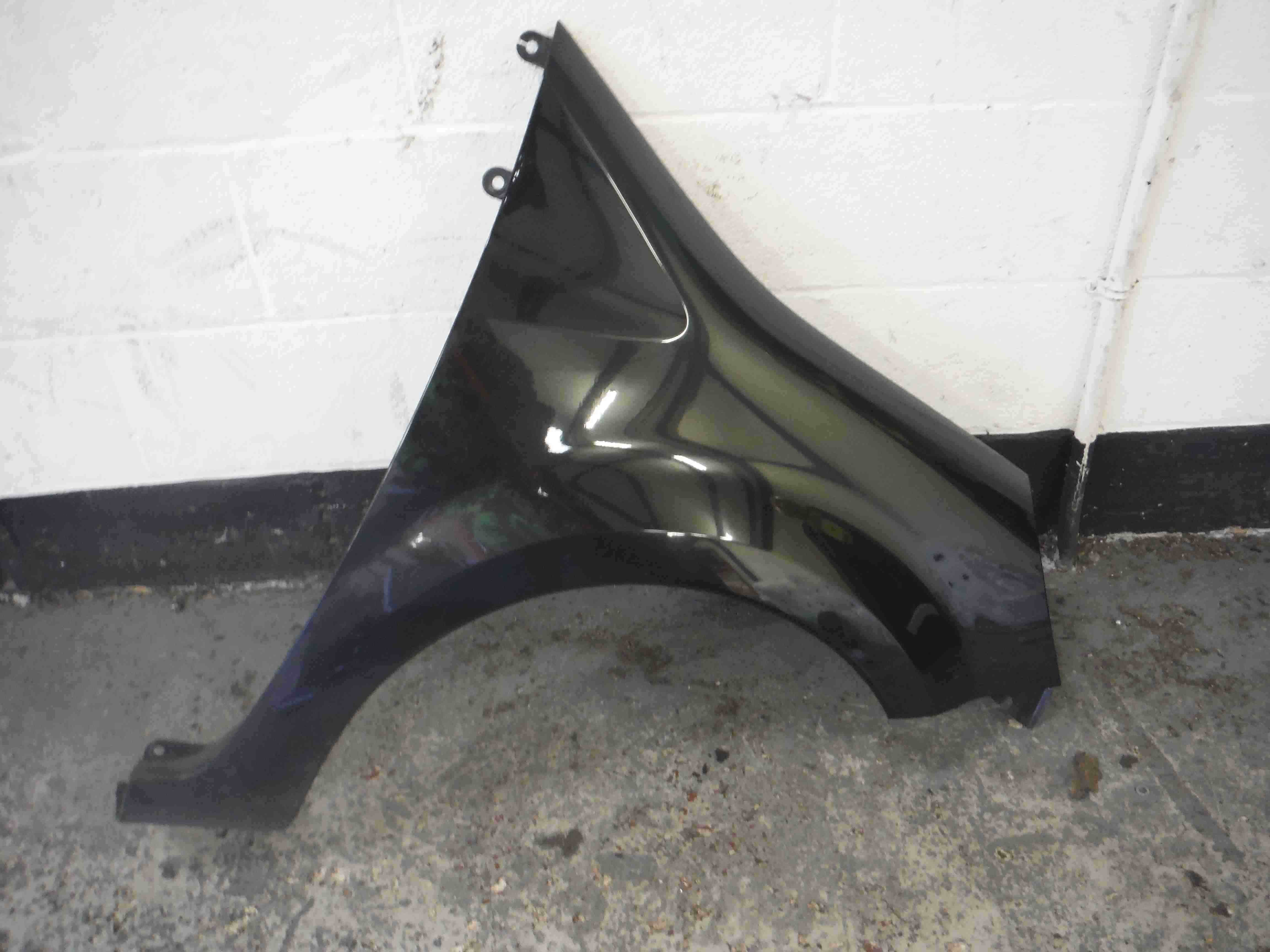 Renault Modus 2004-2006 Drivers OSF Front Wing Black 676