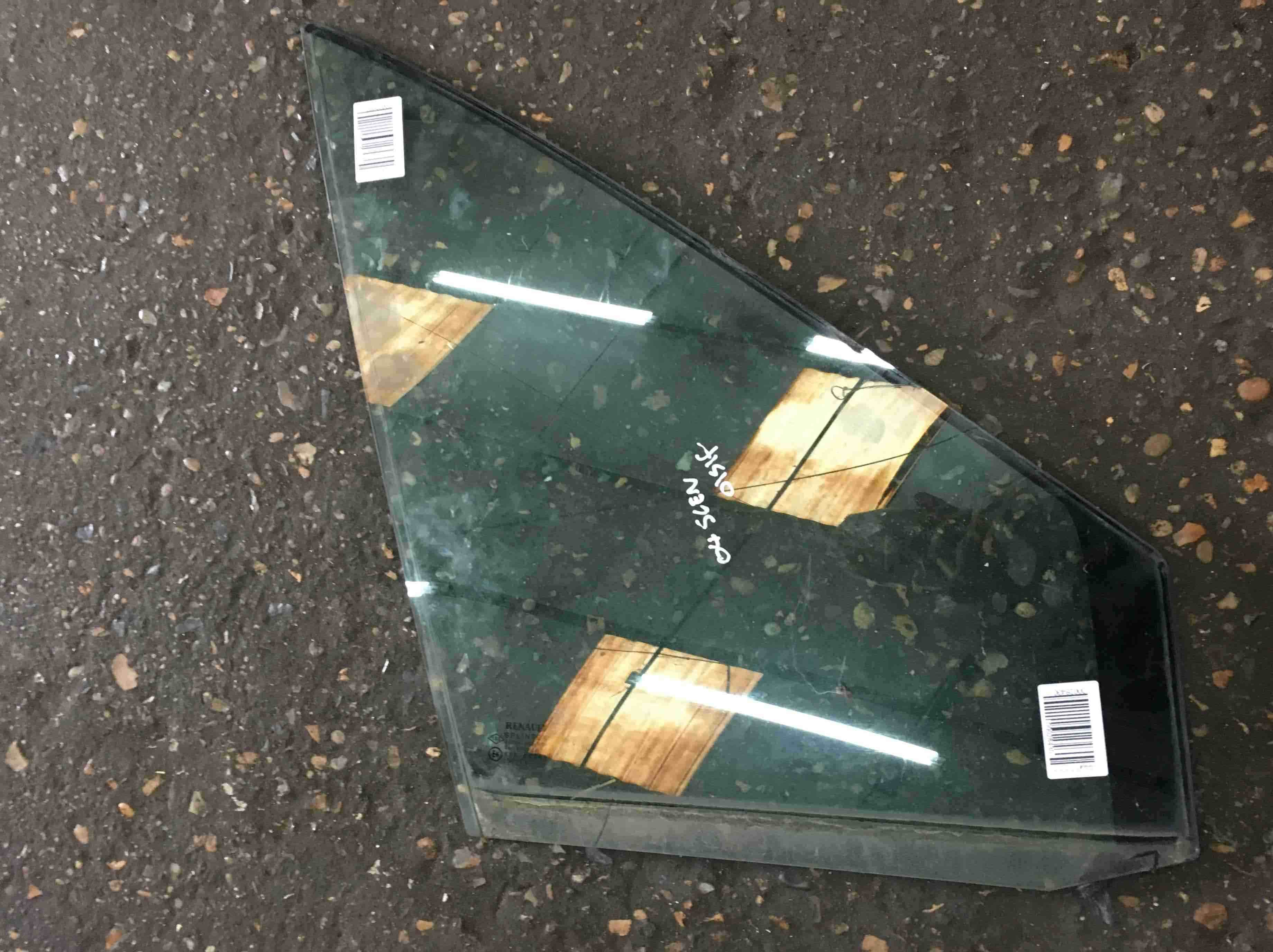 Renault Scenic 2003-2009 Drivers OSF Front Window Glass Quarter