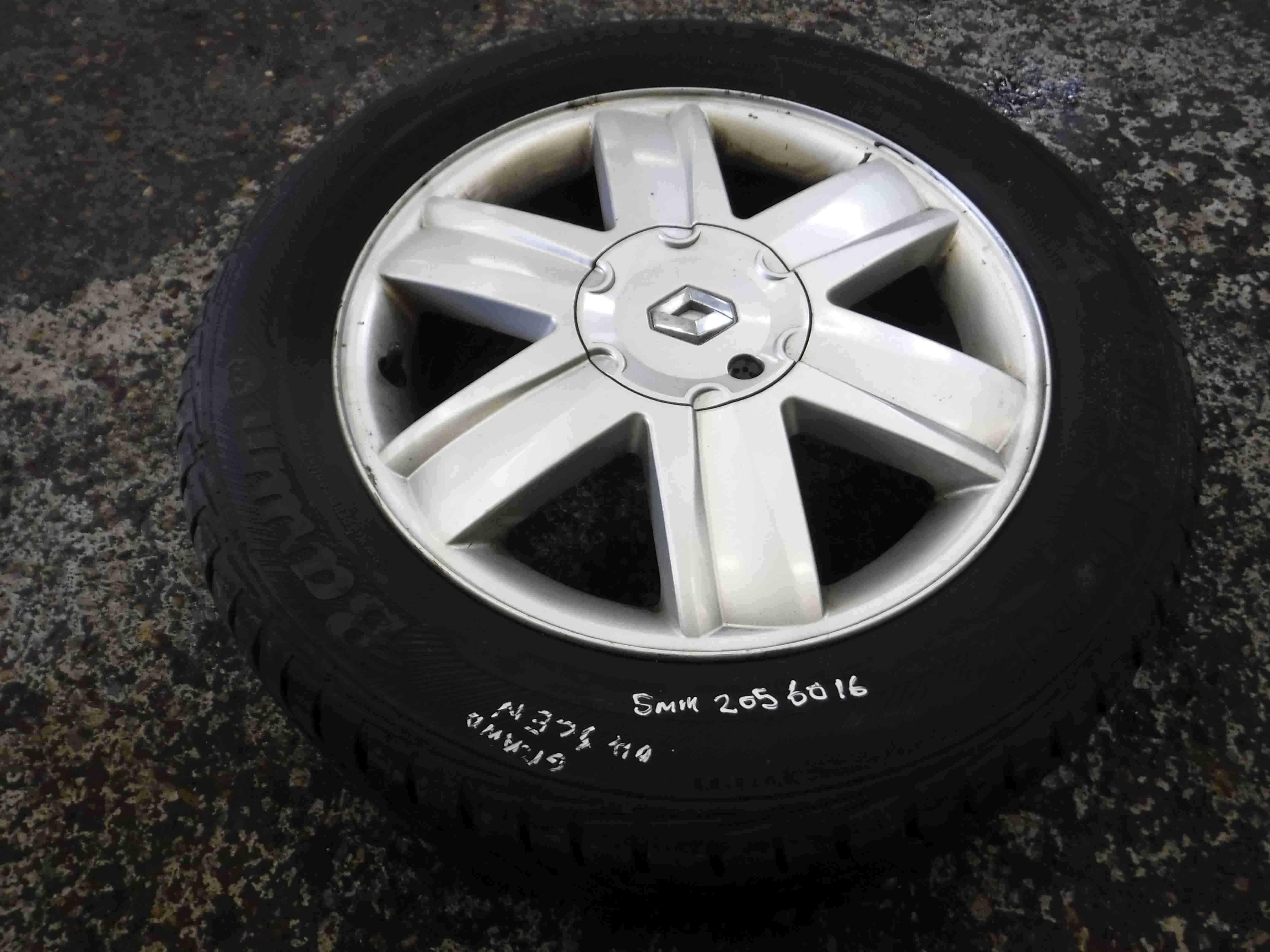 Renault Scenic 2003-2009 Nervastella Alloy Wheel + Tyre 205 60 16 5mm Tread 4/5