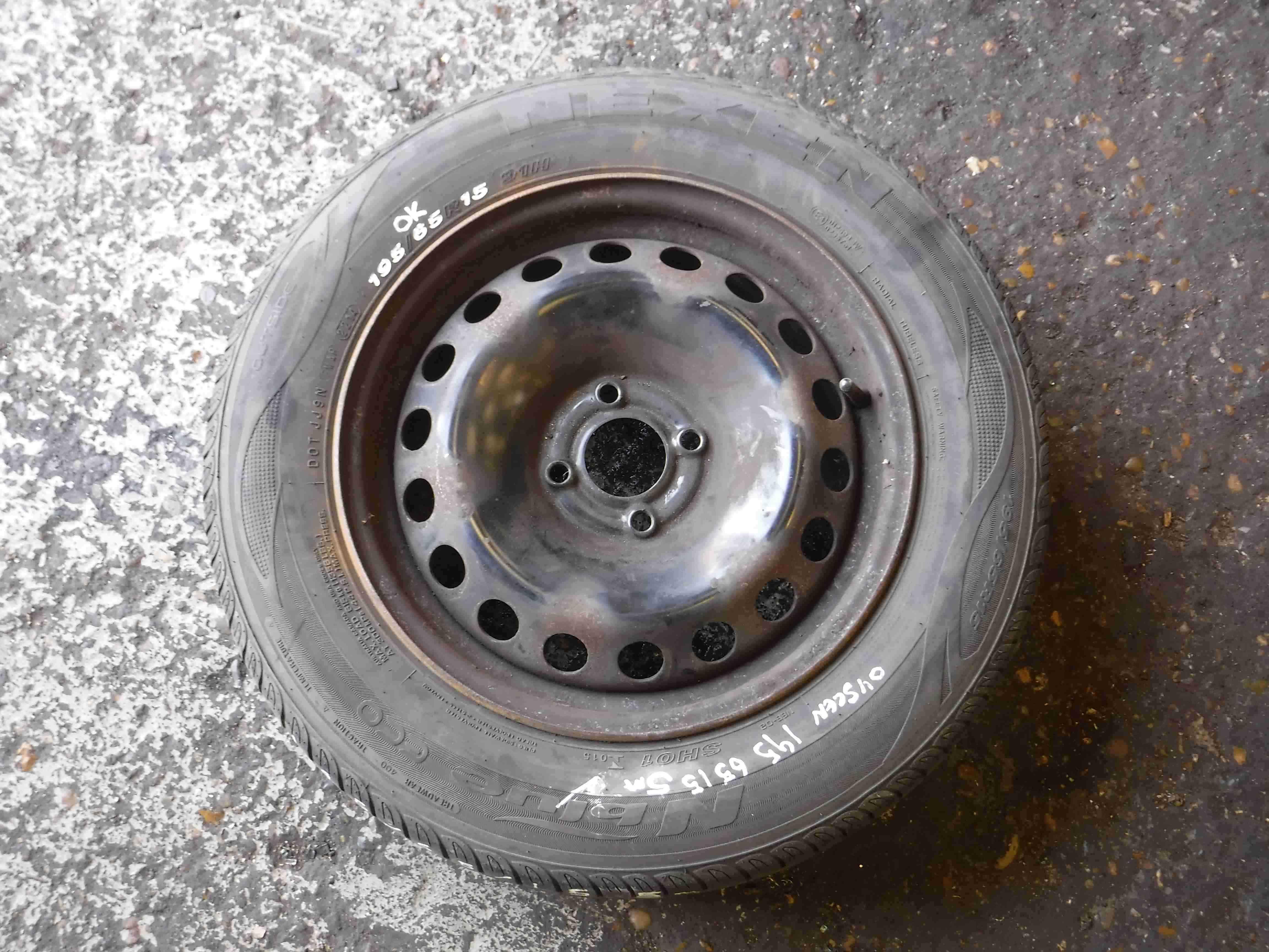 Renault Scenic 2003-2009 Steel Wheel Rim + Tyre 195 65 15 5mm Tread