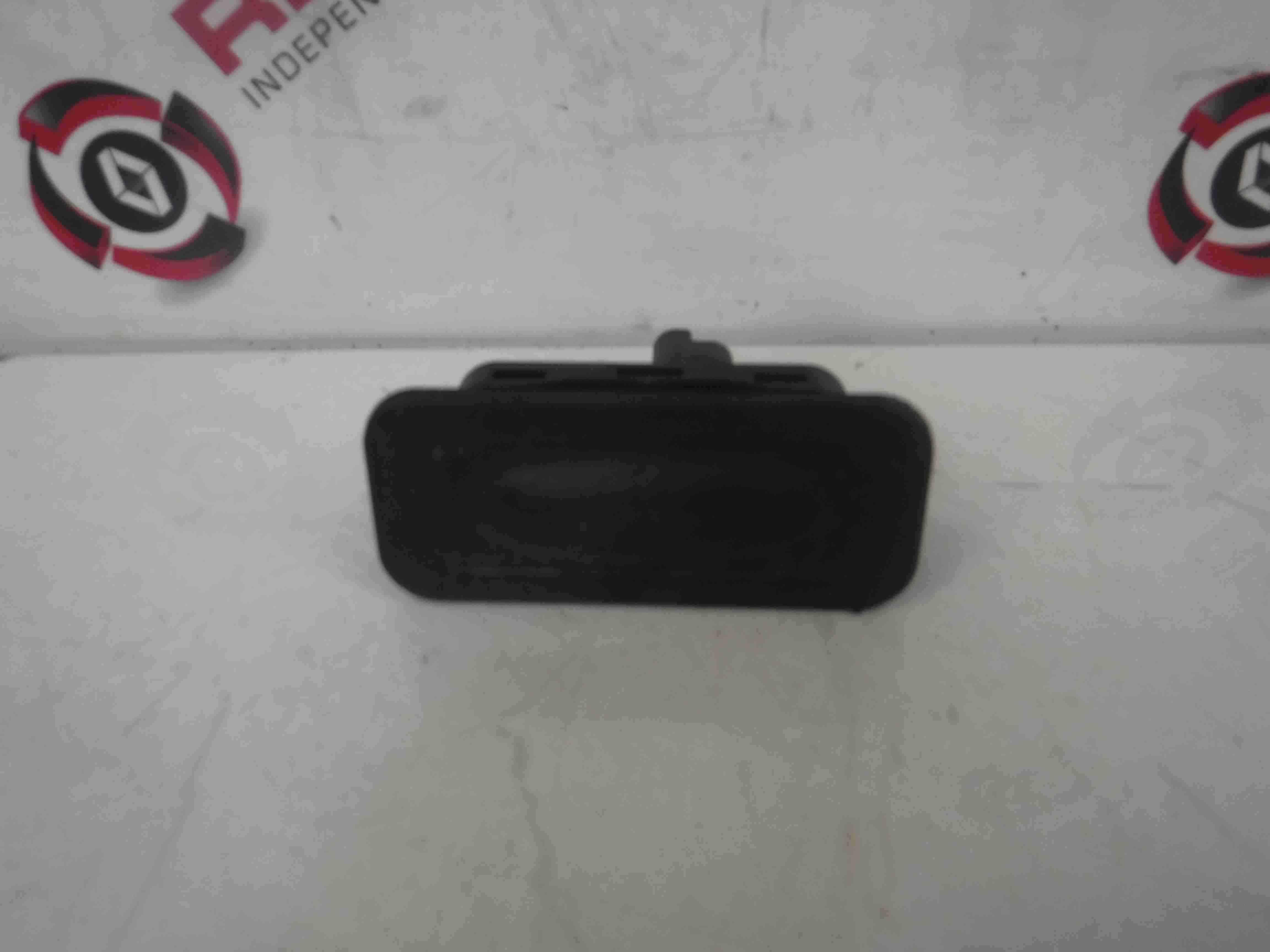 Renault Twingo 2007-2011 Boot Lock Push Button 8200076256